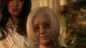 Yoko Minamida as Auntie in House