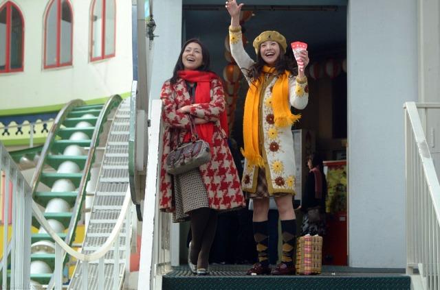 Kyoko Koizumi and Yuriko Yoshitaka in Adrift in Tokyo