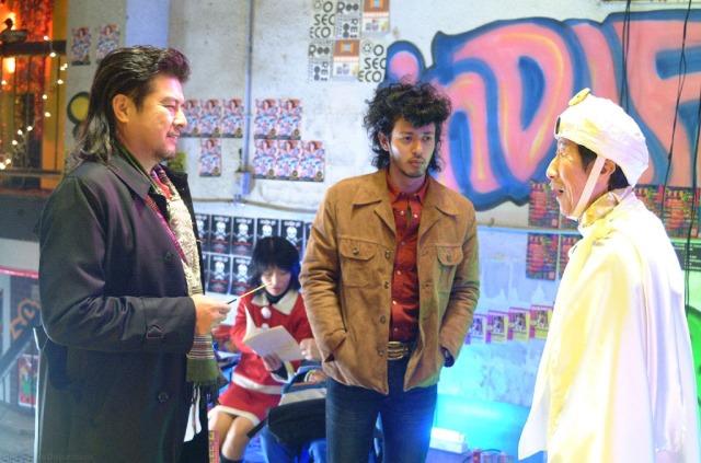 Fumiya and Muira Meet Cosplayers Adrift in Tokyo