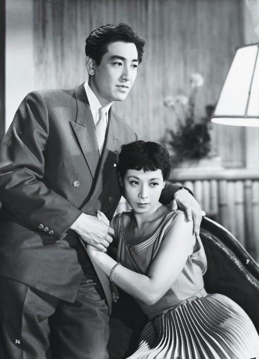 Koji Tsuruta and Yumeji Tsukoka in Kino to Ashita