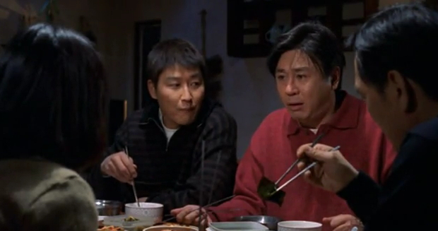 Chang (Choi Min-sik) and Young-min (Song Kang-ho) in The Quiet Family
