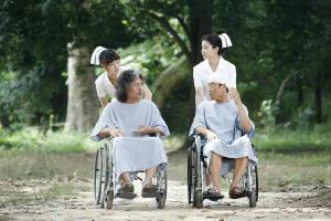 Min-Ho and Sang-Up in Wheelchairs in Desire to Kill