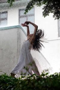 Cocco as Kotoko Dancing