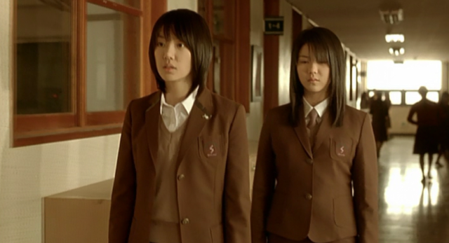 The Voice Sun-Min (Seo Ji-Hye) and Eun-Young (Kim Ok-Vin) Wander the Corridors
