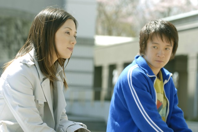 Reiko (Otsuka) and Shiina (Hamada) in Foreign Duck Native Duck & God in Coin Locker