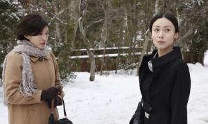 Zero Focus Sadako( Ryoko Hirosue) and Sachiko (Miki Nakatani)