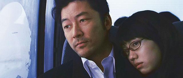 Watashi no Otoko Jungo (Tadanobu Asano) and Hana (Fumi Nikaido) on a Bus