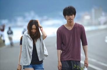 The Light Shines Only There Chinatsu (Ikewaki) and Sato (Ayano) Wandering