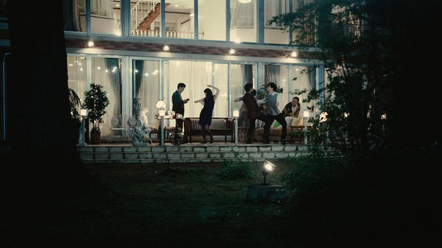 at-the-terrace-film-image-4