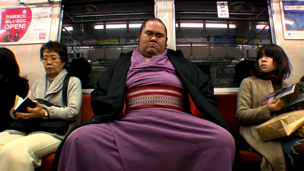 A Normal Life Sumo Wrestler Film Image 3